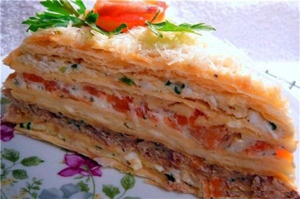 Торт рыбный из коржей наполеон