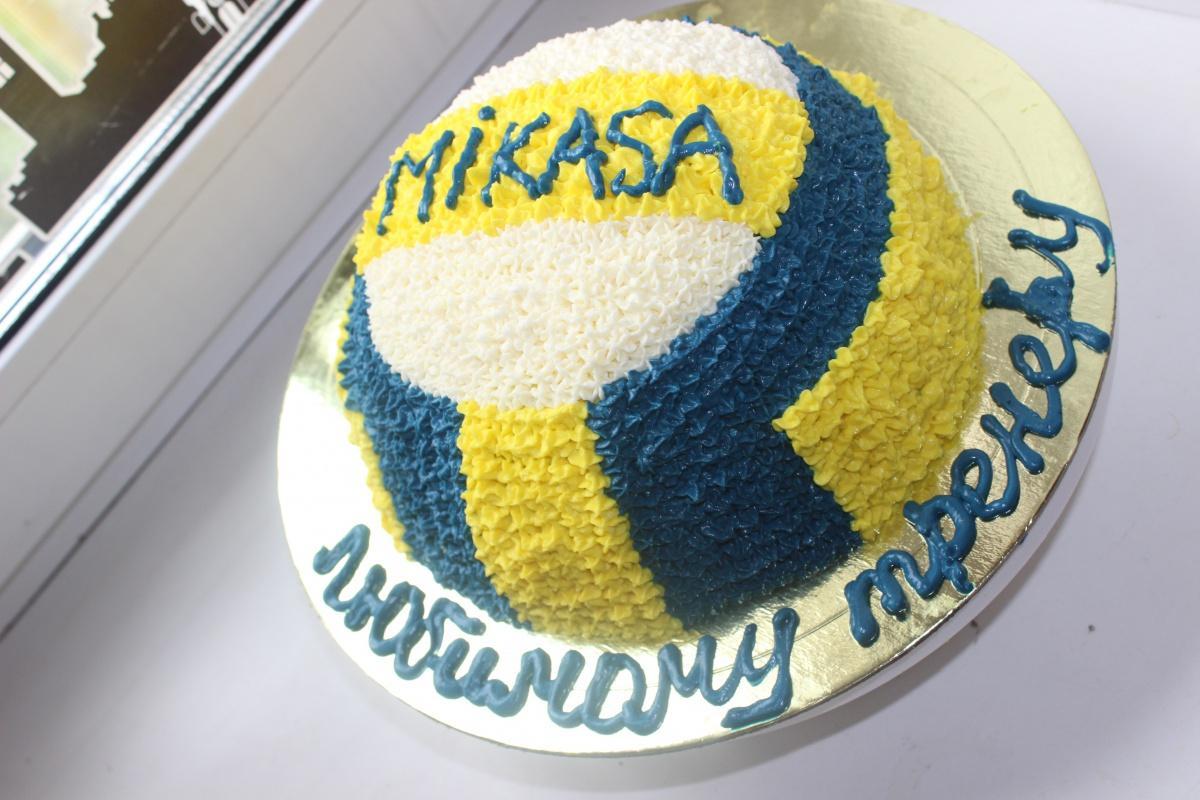 торт для волейболиста из мастики фото так придумаешь