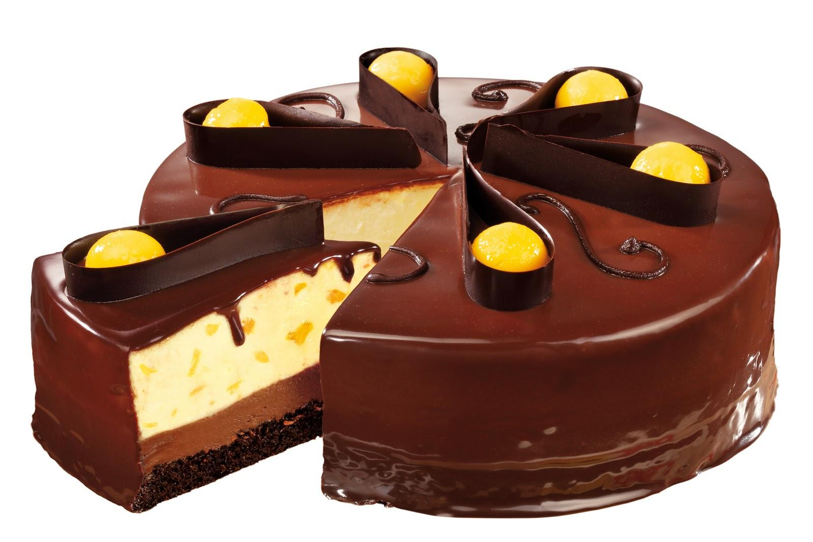 Шоколадный торт с манго и сливочным муссом