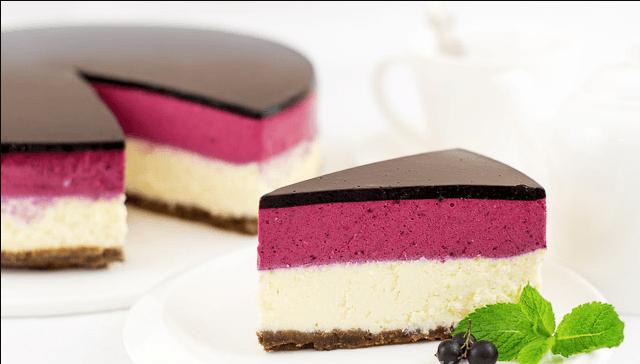 торт со смородиной и шоколадом