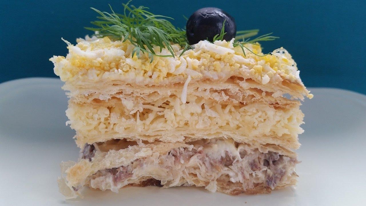 слоеный торт с рыбной консервой
