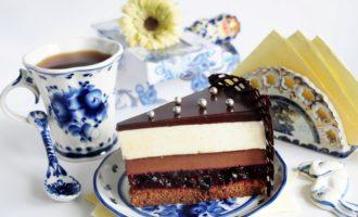 Торт-суфле с шоколадным бисквитом