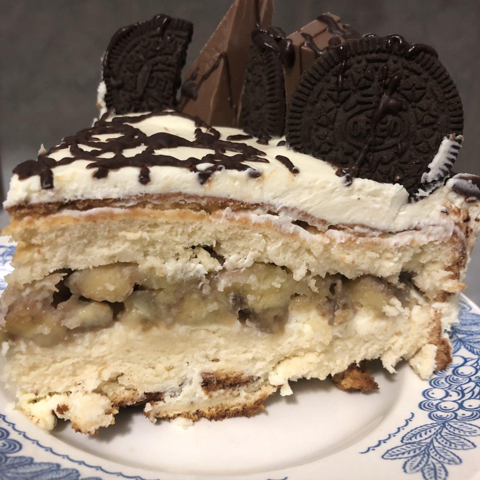 Бисквитный торт с бананом
